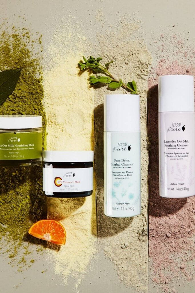 Natural and organic face wash is the skin superhero here and a critical component of any organic skincare routine. Here are the natural face wash brands we think will leave your pores (and the planet) feeling their most clean Image by 100% Pure #naturalfacewash #sustainablejungle