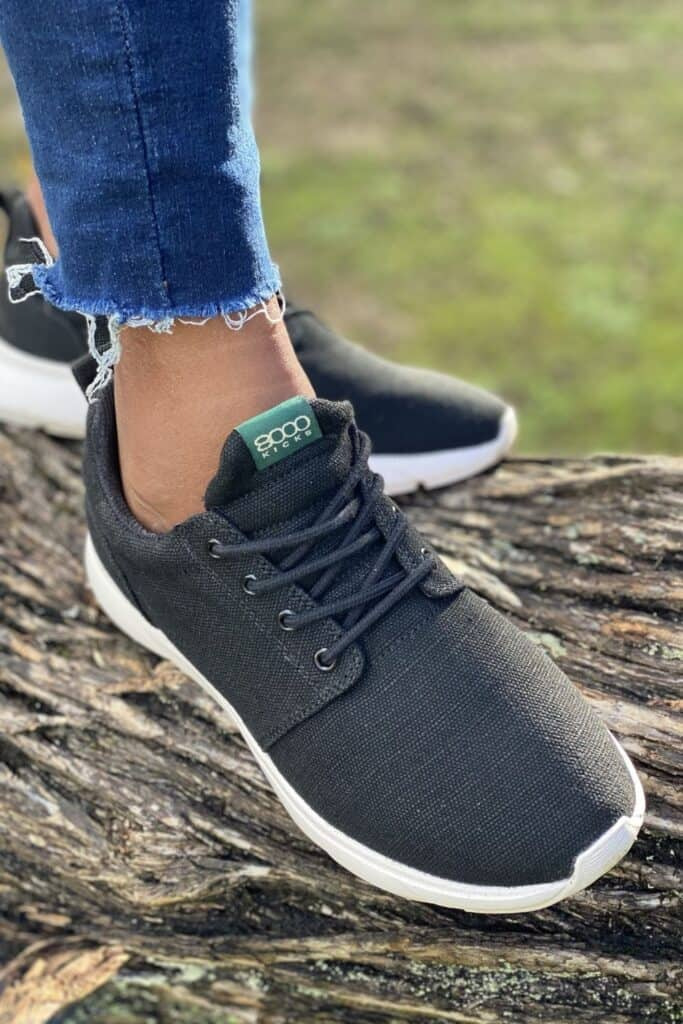 Living sustainably means taking it one step at a time, literally. But in a world where traditional footwear is anything but, you may be wondering, which are the ethical shoe brands? Image by 8000Kicks #ethicalshoebrands #sustainableshoebrands #sustainablejungle