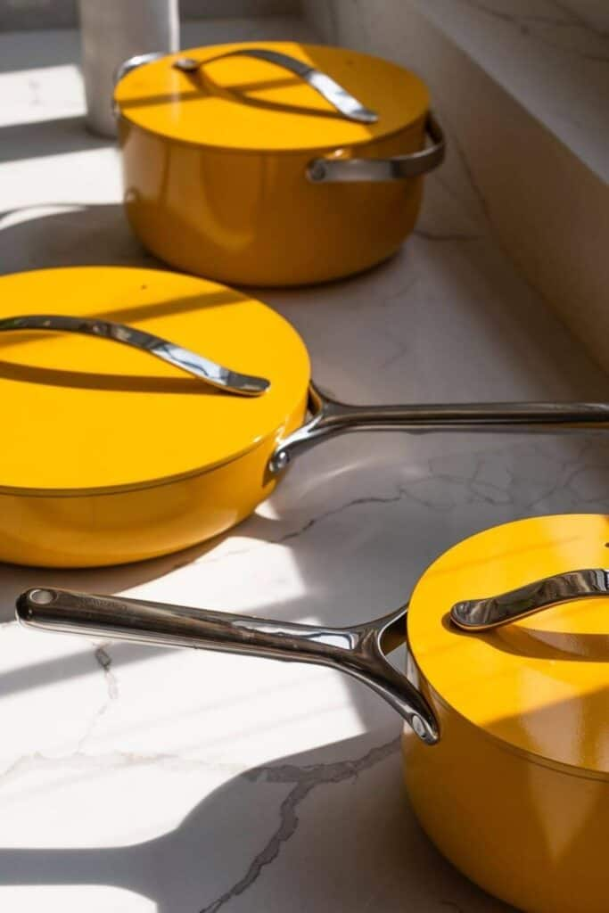 While the impact of animal products is certainly the most dangerous part of our dinner plate, what we cook our meals in also has an impact. So we're scrambling like an egg to find eco friendly cookware. Image by Caraway #ecofriendlycookware #sustainablejungle
