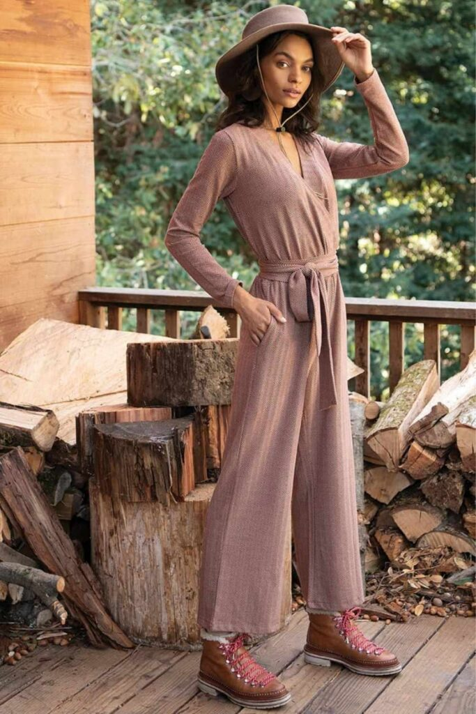 Wearing clothes made with natural materials is great and all, but wearing organic clothing made with natural materials is even better Image by Synergy Organic Clothing #organicclothing #sustainablejungle