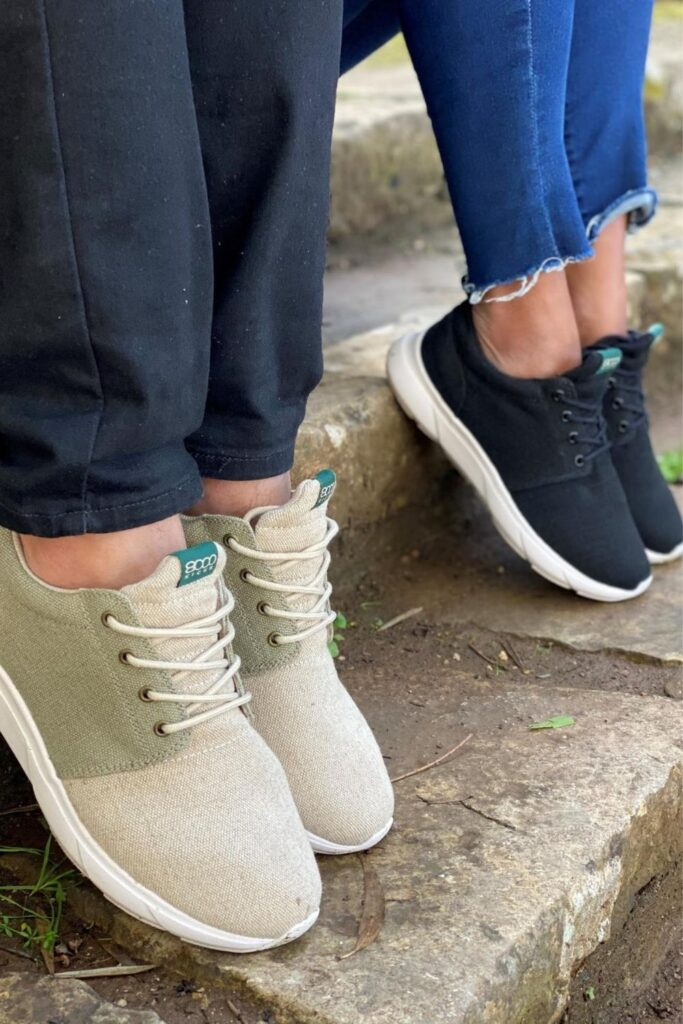 The vegan footwear market is growing, so even if you feel like Cinderella looking for the animal-free equivalent of a glass slipper, these vegan shoe brands can help. Image by 8000Kicks #veganshoes #veganshoebrands #bestveganshoebrands #bestveganshoes #sustainablejungle