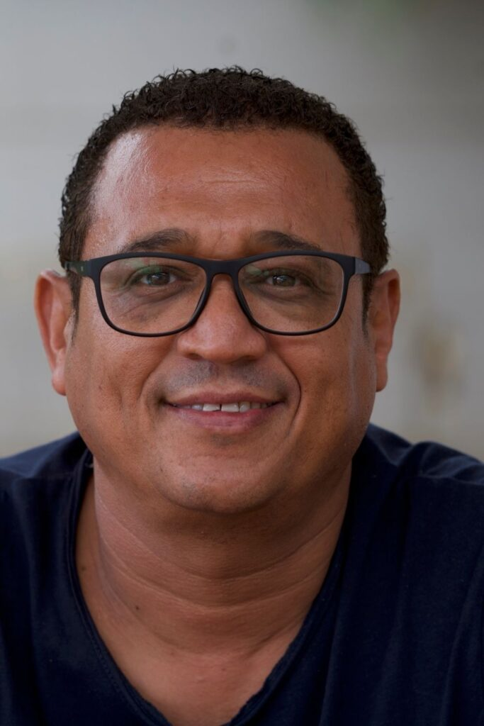 Creating a path to conservation through the next generation of filmmakers with Noel Kok on the Sustainable Jungle Podcast #noelkok #NEWF #sustainablejungle
