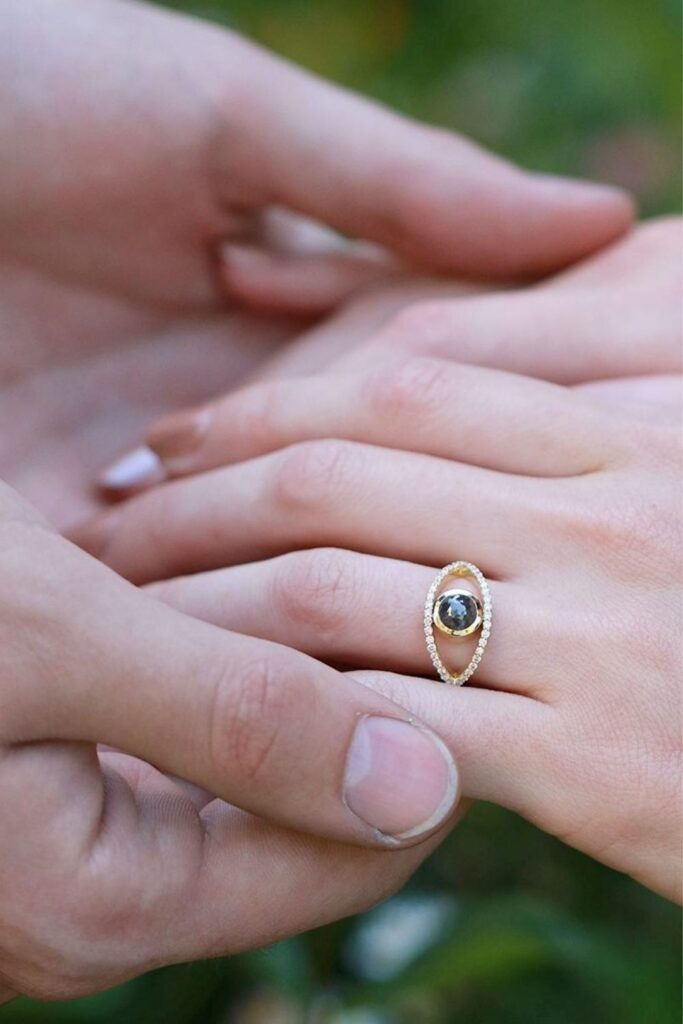 To spare you the wedding day jitters, we've dug deep in the treasure chest of the internet to pull out the top sustainable and eco friendly wedding rings worth tying the knot with. Image by Melissa Joy Manning #sustainableweddingrings #sustainablejungle