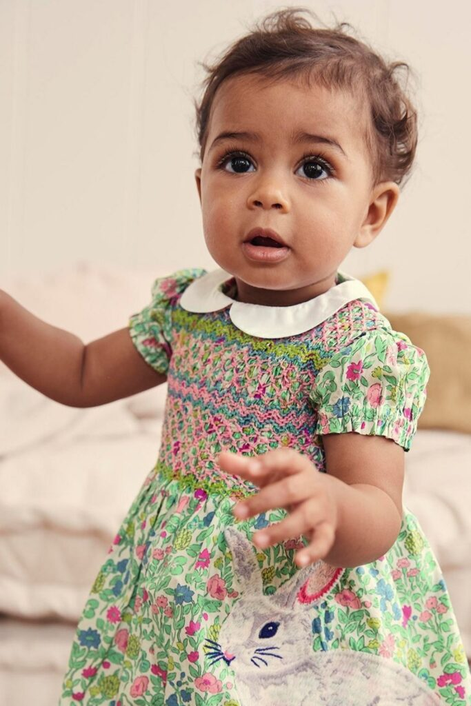 Oh baby! Let's talk onesies, bodysuits, and cute baby outfits that won't break the bank or planet. In other words, let's talk: affordable organic baby clothes. Image by Boden #affordableorganicbabyclothes #affordableorganicbabyclothing #gotsbabyclothes #sustainableaffordableorganicbabyclothing #sustainablejungle