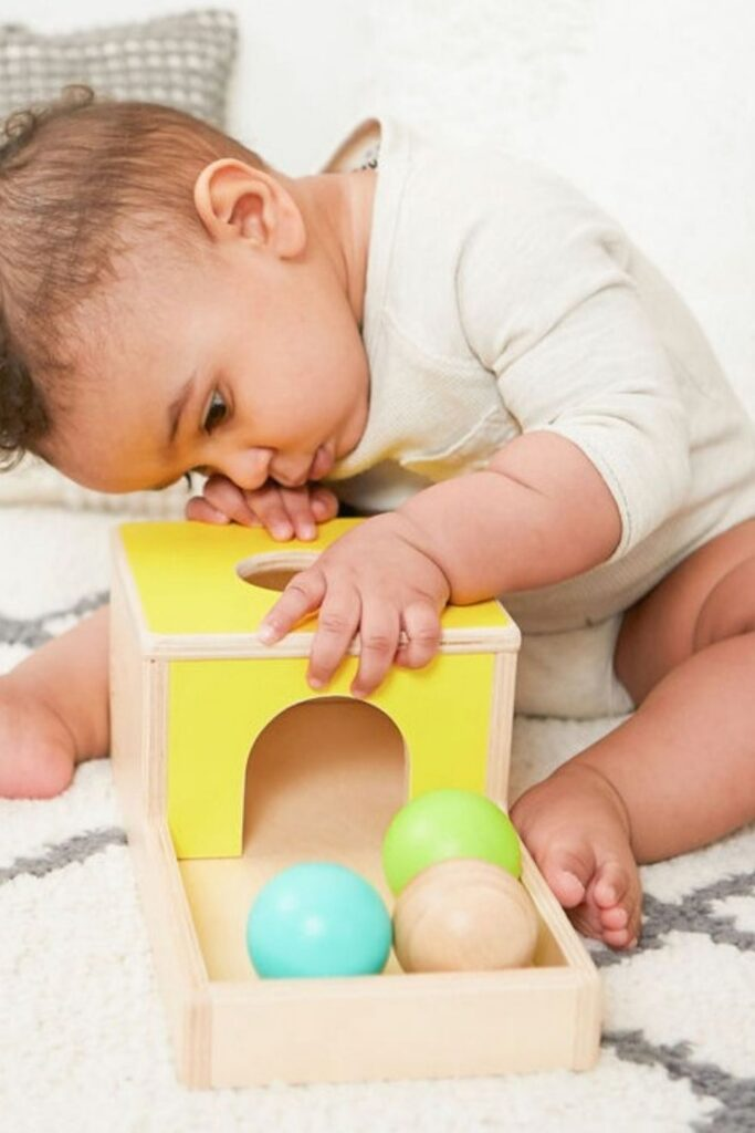 We've explored what it means to raise a zero waste baby, but what about zero fuss babies...you know, a baby playing happily with their new non toxic and organic baby toys. Image by Lovevery #organicbabytoys #organicbabytoysmadeintheusa #bestorganicbabytoys #nontoxicbabytoys #bestnontoxicbabytoys