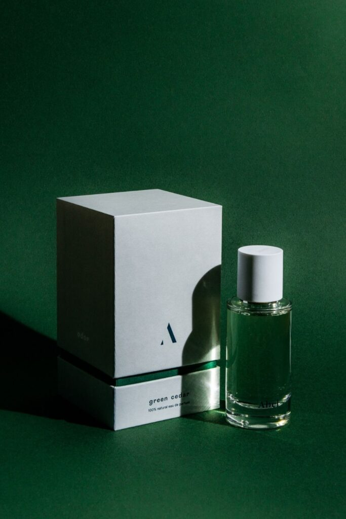Following our noses, we were able to find non toxic perfume brands that make use of Earth's bounty without spending too much time in the laboratory. Image by Abel #nontoxicperfume #naturalperfume #sustainablejungle
