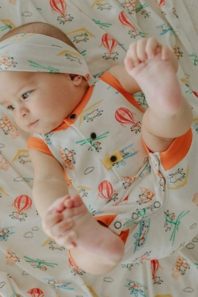 A good night's sleep can't be guaranteed but we can help you find peace of mind in other ways... like organic baby blankets! Image by Finn + Emma #organicbabyblankets #sustainablejungle
