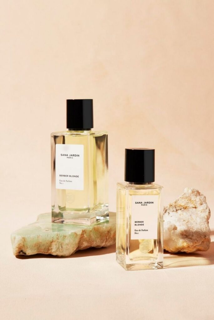 Following our noses, we were able to find non toxic perfume brands that make use of Earth's bounty without spending too much time in the laboratory. Image by Sana Jardin #nontoxicperfume #naturalperfume #sustainablejungle
