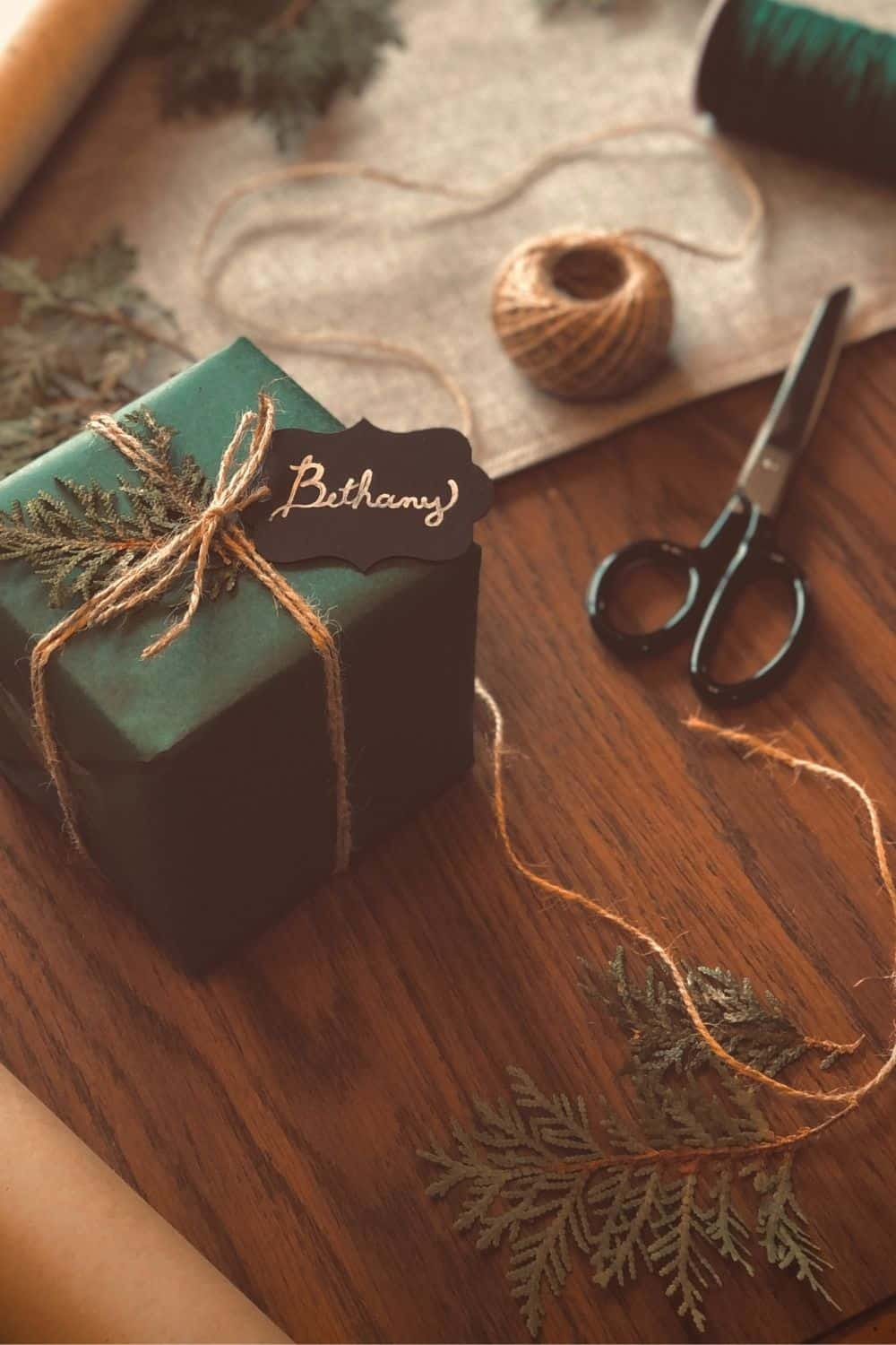 While there are endless possibilities for the creative mind, here are eight zero waste wrapping ideas to surprise your loved one with just a little bit of extra care Photo by Erica Marsland Huynh on Unsplash #zerowastewrapping #sustainablejungle
