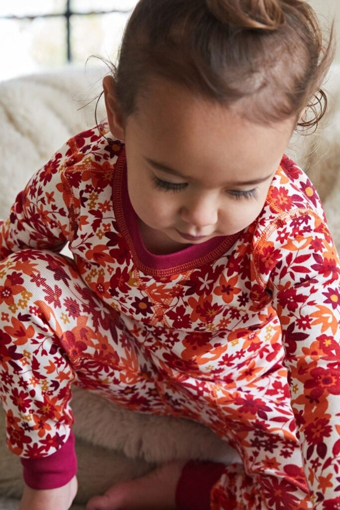 Snuggle in, because we're about to tell you a bedtime story about some magical organic cotton pajamas. Once upon a time, there was a brand called... Image by Pact #organiccottonpajamas #mensorganiccottonpajamas #womensorganiccottonpajamas #babyorganiccottonpajamas #girlsorganiccottonpajamas #organiccottonpajamasboys #sustainablejungle