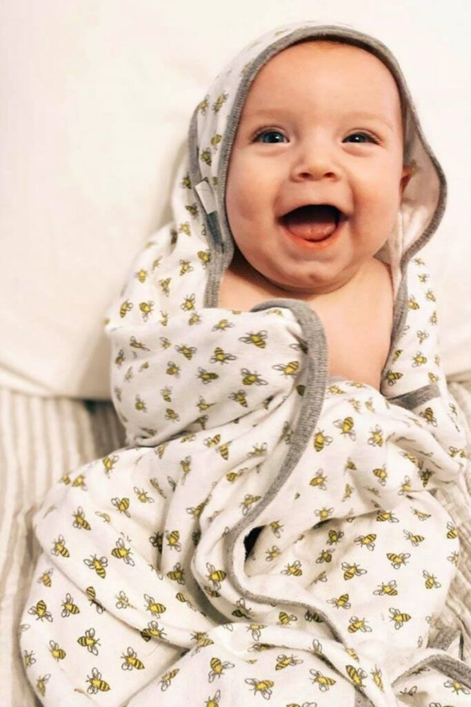 A good night's sleep can't be guaranteed but we can help you find peace of mind in other ways... like organic baby blankets! Image by Burt's Bees #organicbabyblankets #sustainablejungle