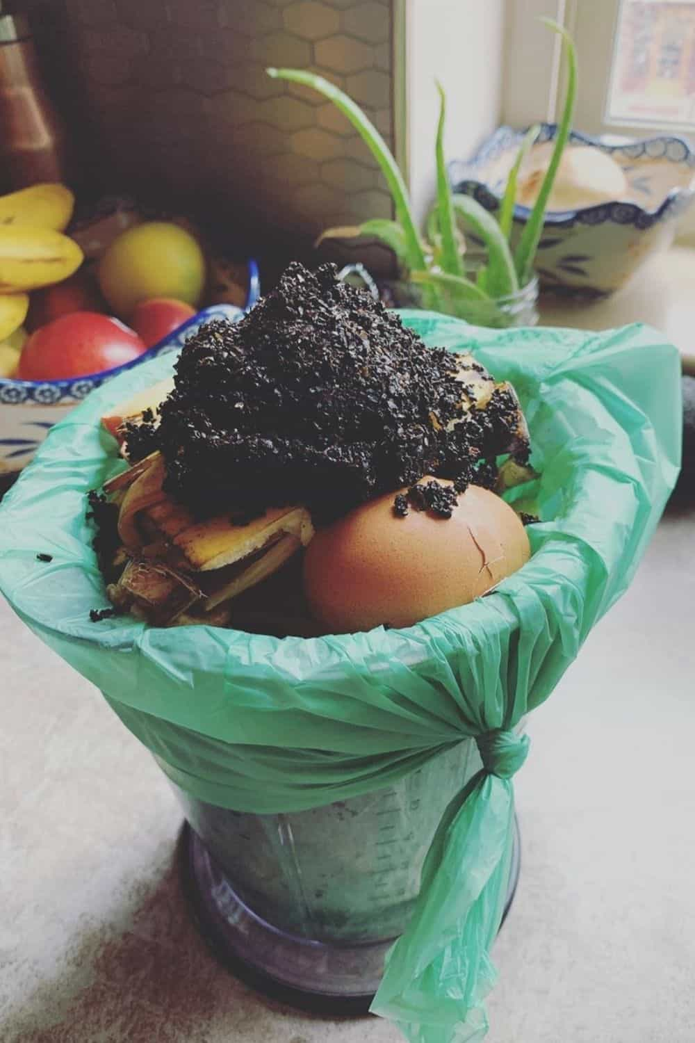 """Recently rubbish-disposal trends have seen an explosion of compostable and biodegradable trash bags. But, just as all """"trash"""" isn't equal, we shouldn't view all """"Earth-friendly"""" trash bags as equal either Image by Biobag #biodegradeabletrashbags #compostabletrashbags #sustainablejungle"""