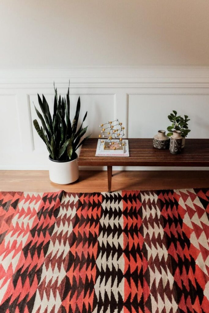 Let's take a blast to the past because vintage is IN. We're talking about vintage home decor. Image by Microscope Telescope #vintagehomedecor #sustainablejungle