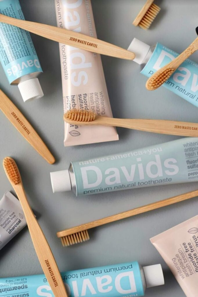 Toothpaste is probably the most regularly used body care product around which is why it was one of the first products we scrutinized for sustainable, cruelty free toothpaste alternatives... Image by David's Natural Toothpaste #crueltyfreetoothpaste #vegantoothpaste #sustainablejungle