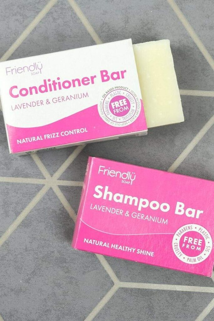 Whether you have dry or oily hair (or anything in between) there are environmentally friendly shampoo and conditioner brands on here that will do the trick, without leaving a stain on your conscience. Image by Friendly Soap #ecofriendlyshampooandconditioner #sustainablejungle