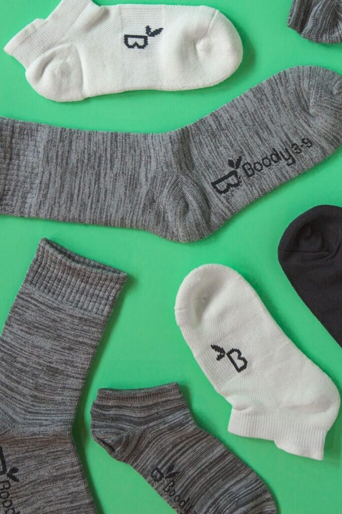 We haven't found a material that keeps a pair of socks together forever, but we have found a better way to keep our feet dry and comfortable with these sustainable bamboo socks... Image by Boody #bamboosocks #sustainablejungle