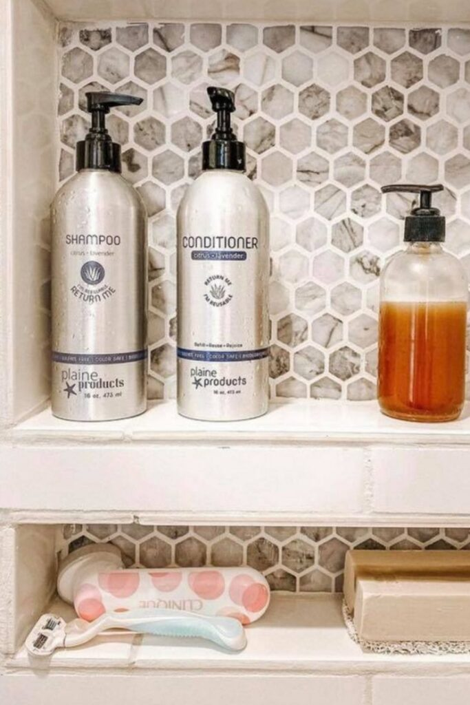 Petrochemicals and water go together like… well… oil and water! Our self-care routines deserve better. So here's our list of the best natural shampoo from organic brands... Image by plaine products #bestnaturalshampoo #bestnaturalorganicshampoo #bestnaturalshampooandconditioner #bestorganicshampoo #bestorganicshampooandconditioner #naturalorganicshampoo #sustainablejungle