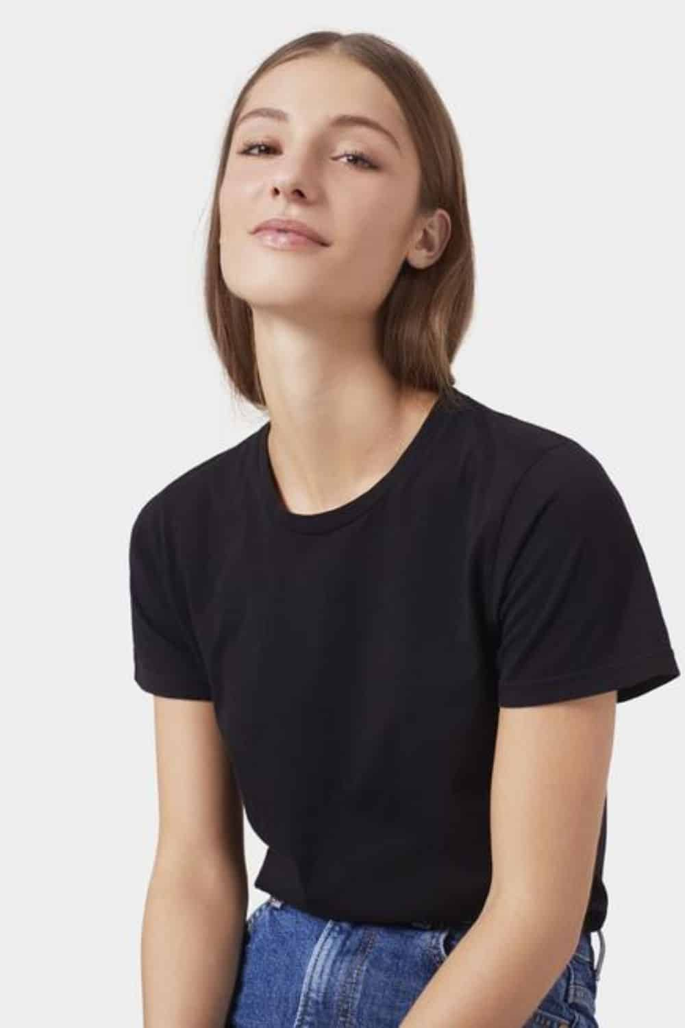 Aside from feeling soft and breathable (almost like being naked), organic cotton t-shirts have a minimal—and in some cases positive—impact on our planet. Image by Colorful Standard #organiccottontshirts #sustainablejungle