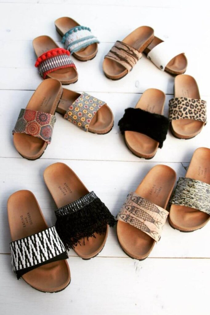 For summer sandals that also have a barely-there impact on animals and the planet, we've rounded up a list of some of our favorite vegan sandals. Image by Eating the Goober #veganshoes #sustainablejungle