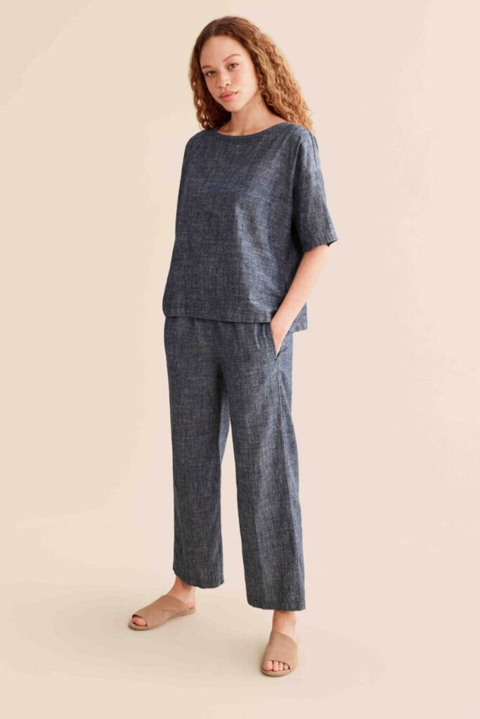 The way hemp grows and what it provides wearers makes hemp fabric a very valued material which is why we're seeing the number of hemp clothing brands grow like, well, hemp! Image by Eileen Fisher #hempclothingbrands #sustainablejungle