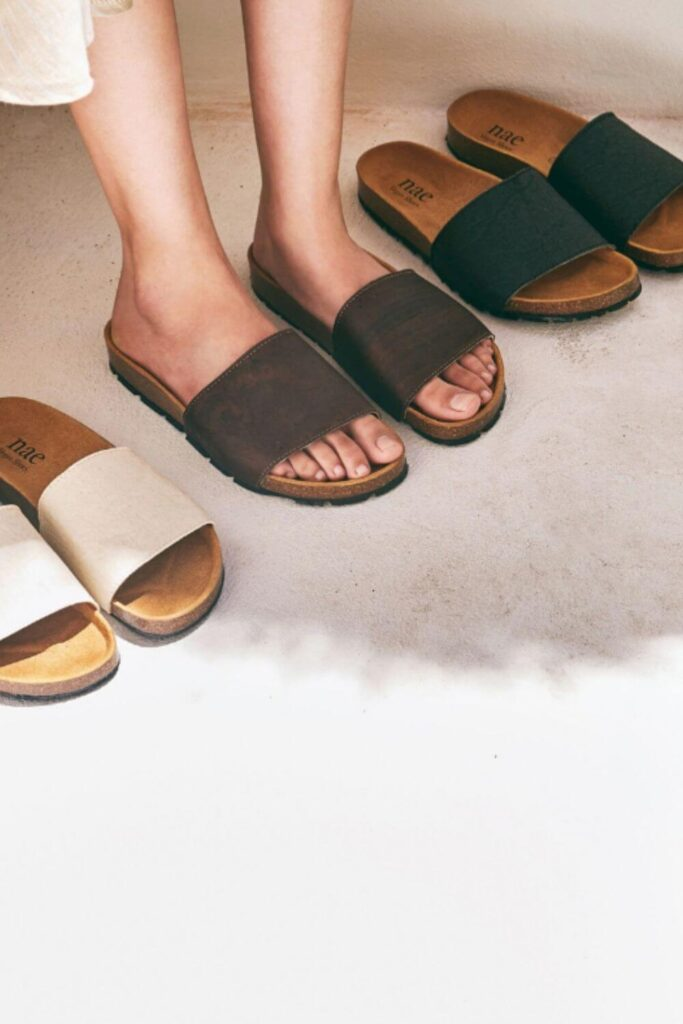 For summer sandals that also have a barely-there impact on animals and the planet, we've rounded up a list of some of our favorite vegan sandals. Image by NAE #veganshoes #sustainablejungle