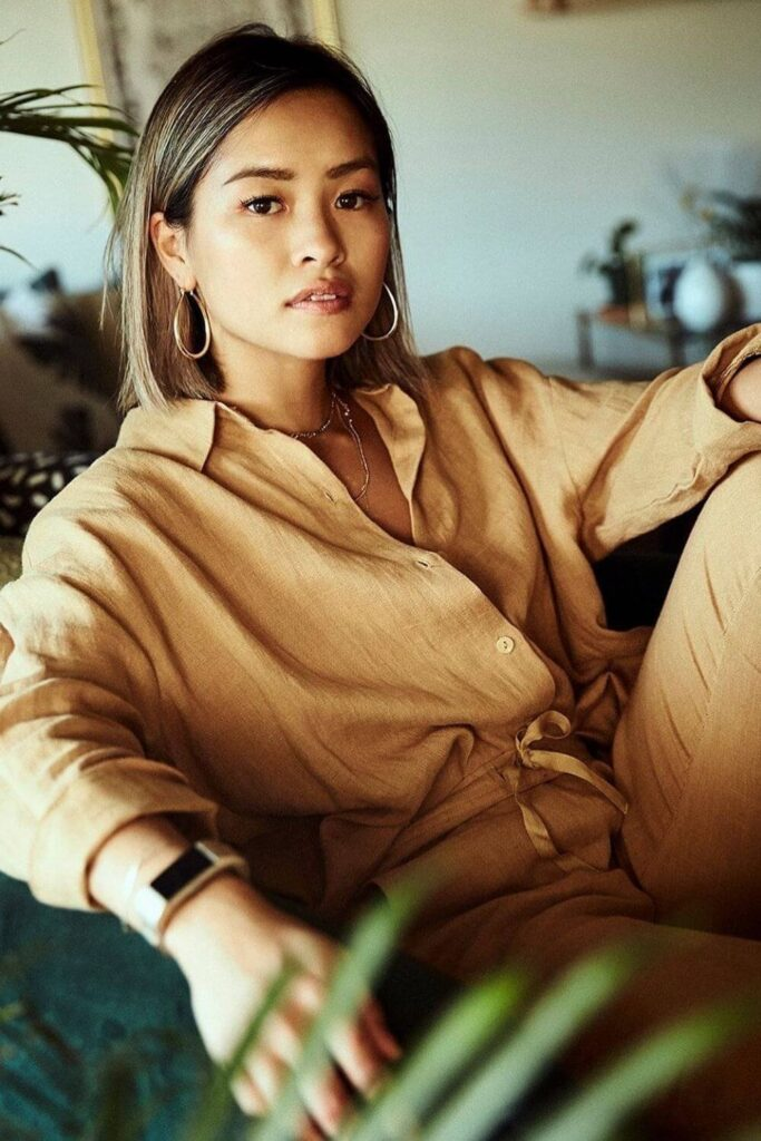 Get in line(n), because we're dishing up the best of the best in linen clothing brands. Our love of linen clothing is largely due to the fact that linen doesn't require a lot to grow. Unlike cotton, it doesn't need a tremendous amount of water, pesticides, herbicides, or time. Image by Neu Nomads #linenclothingbrands #sustainablejungle