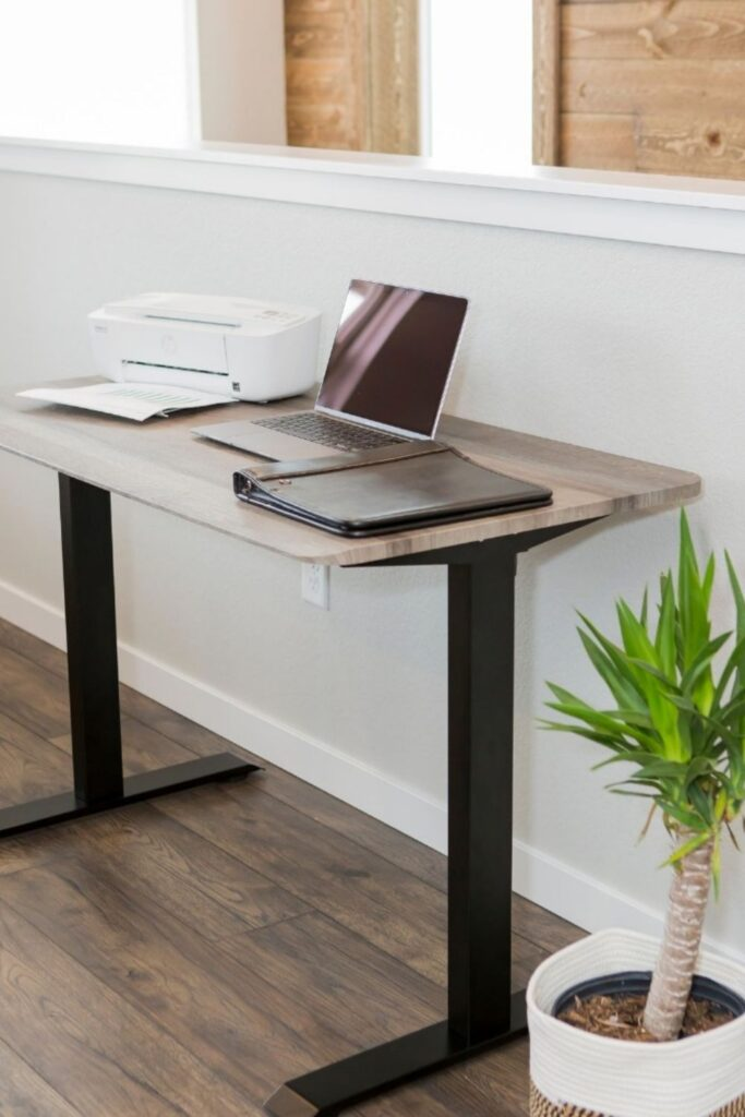 You probably spend more time in your home office than you'd like to, which means more reason to fill it with products that you feel good about and keep you safe. Knowing you're sitting at an eco friendly desk might just make those long hours staring at the computer a little less draining. Image by Mojodesk #ecofriendlydesks #sustainablejungle