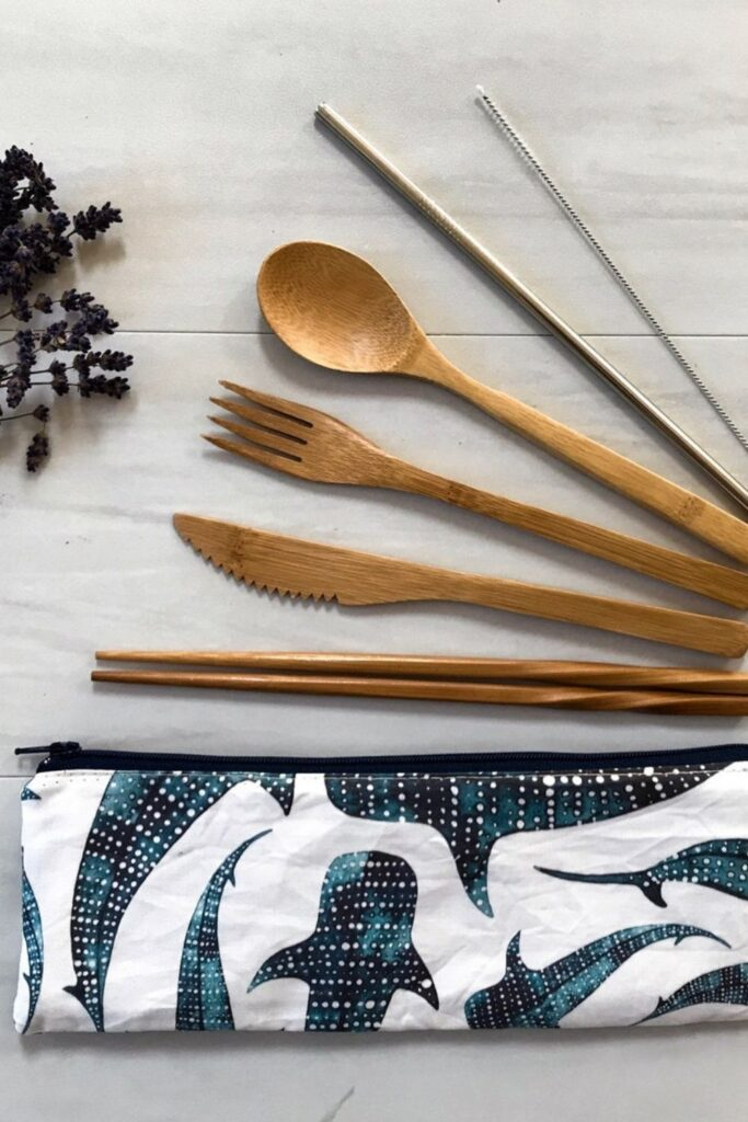 Future generations deserve to enjoy all that we have, so let's talk about some of the best zero waste products. Image by Spruce & Pine Co #zerowasteproducts #sustainablejungle