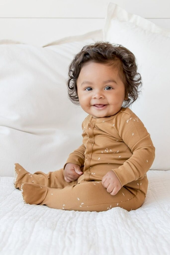 Providing kids with comfortable and safe clothes is a start, but it's even better when those clothes are produced and sold in a way that better supports the planet and the people on it. So who earns straight As in the world of ethical kids clothing? Image by Colored Organics #ethicalkidsclothing #sustainablejungle