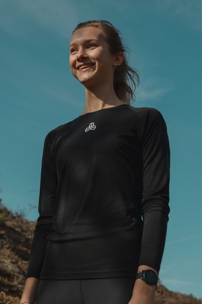 Are you ready to get sweaty and swol with this list of ethical and sustainable activewear?! You can achieve a 5K PR while also learning how to avoid fast fashion… Image by Iron Roots #sustainableactivewear #ethicalactivewear #sustainablejungle