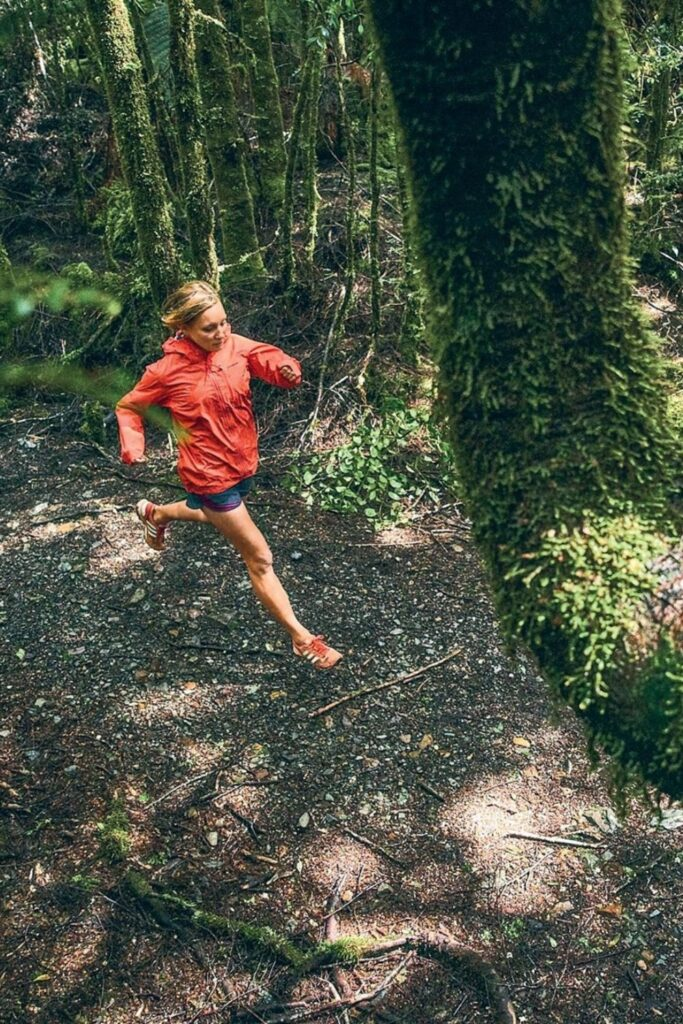 Are you ready to get sweaty and swol with this list of ethical and sustainable activewear?! You can achieve a 5K PR while also learning how to avoid fast fashion… Image by Mike Schaefer for Patagonia #sustainableactivewear #ethicalactivewear #sustainablejungle